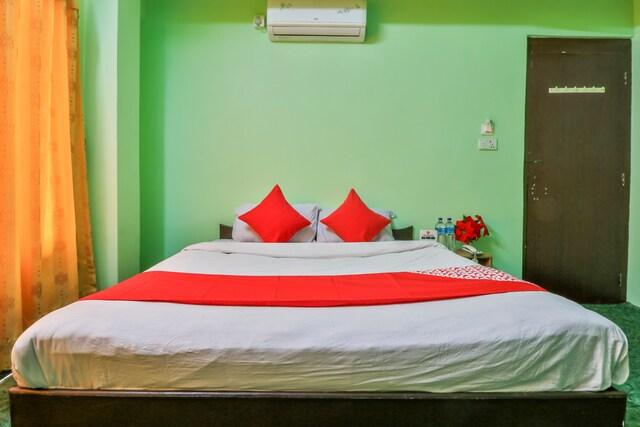 queen bed deluxe room hotel yangra nuwakot trisuli
